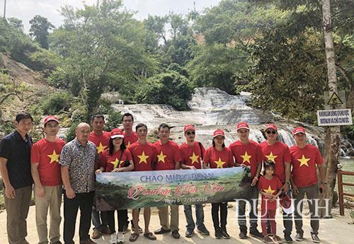 Đoàn khảo sát du lịch Bắc Sơn do ông Phùng Xuân Khánh, Giám đốc Tiên Phong Travel làm trưởng đoàn
